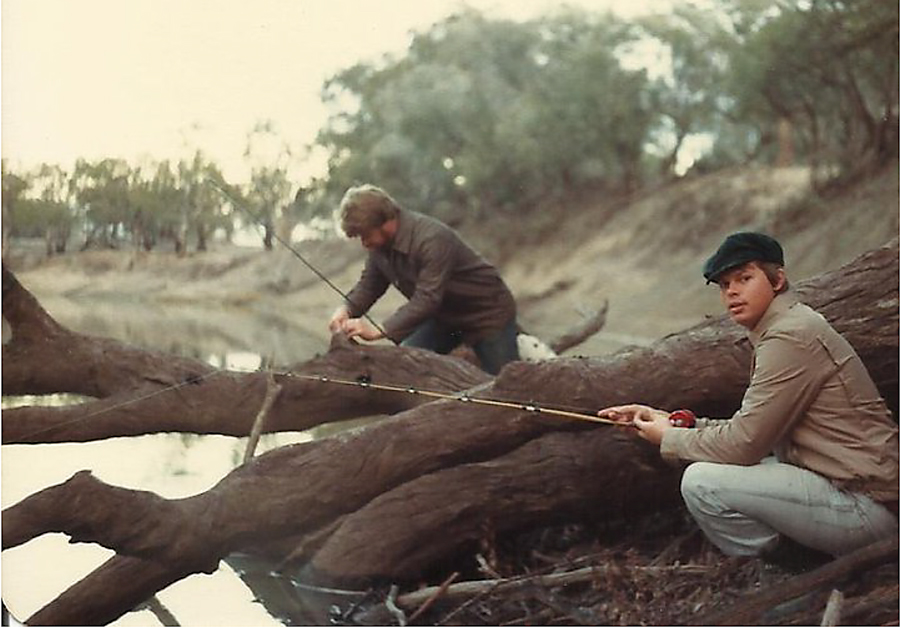 Starling on the Darling in 1980. A lot of water has flowed around those snags in the past 40 years.